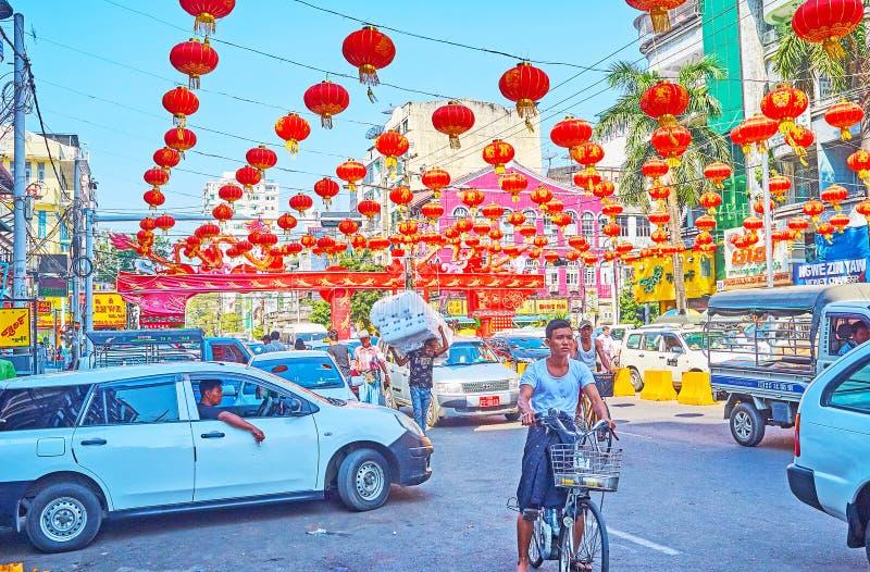 Engarrafamento em Maha Bandula Road, Yangon, Myanmar imagens de stock royalty free