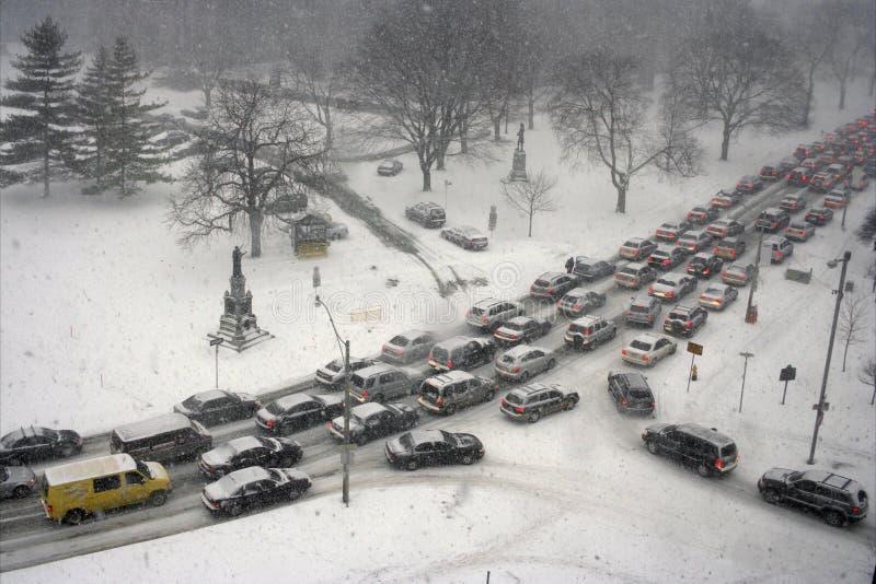 Engarrafamento no inverno imagens de stock