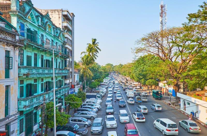Engarrafamentos em Yangon, Myanmar foto de stock royalty free