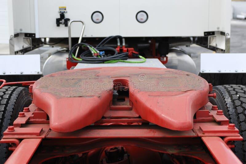 Engate de reboque do caminhão imagens de stock