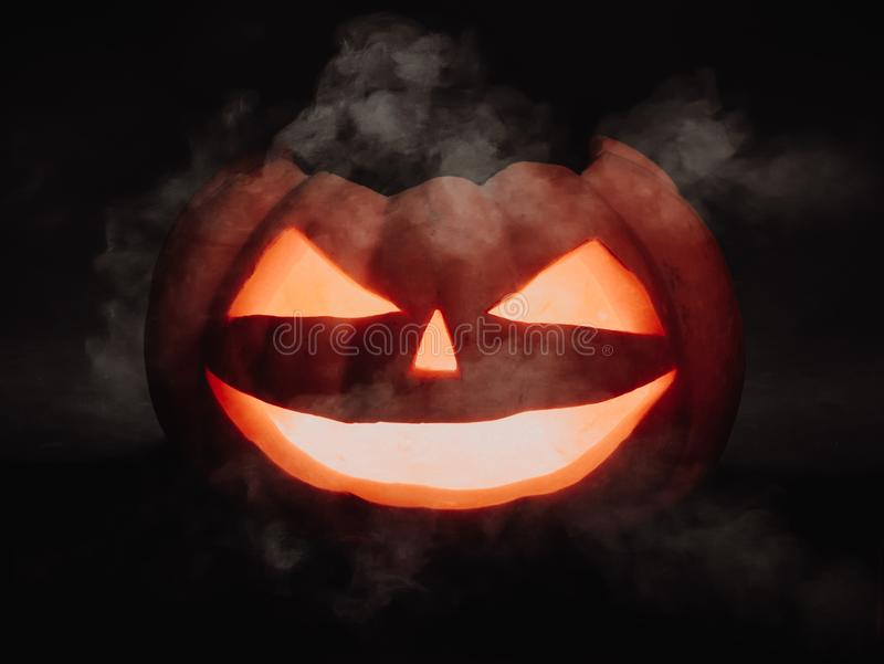 Enge Halloween pompoen royalty-vrije stock foto