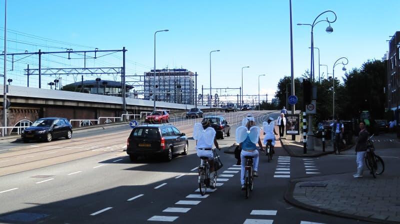 Engel auf Fahrrädern lizenzfreie stockfotografie
