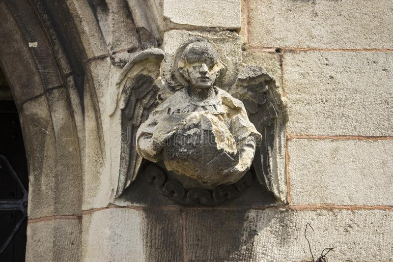 Engel auf Kirchenwand lizenzfreies stockfoto