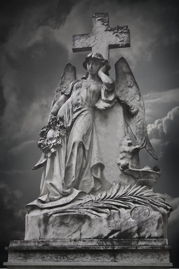 Engel im Stein lizenzfreie stockfotografie