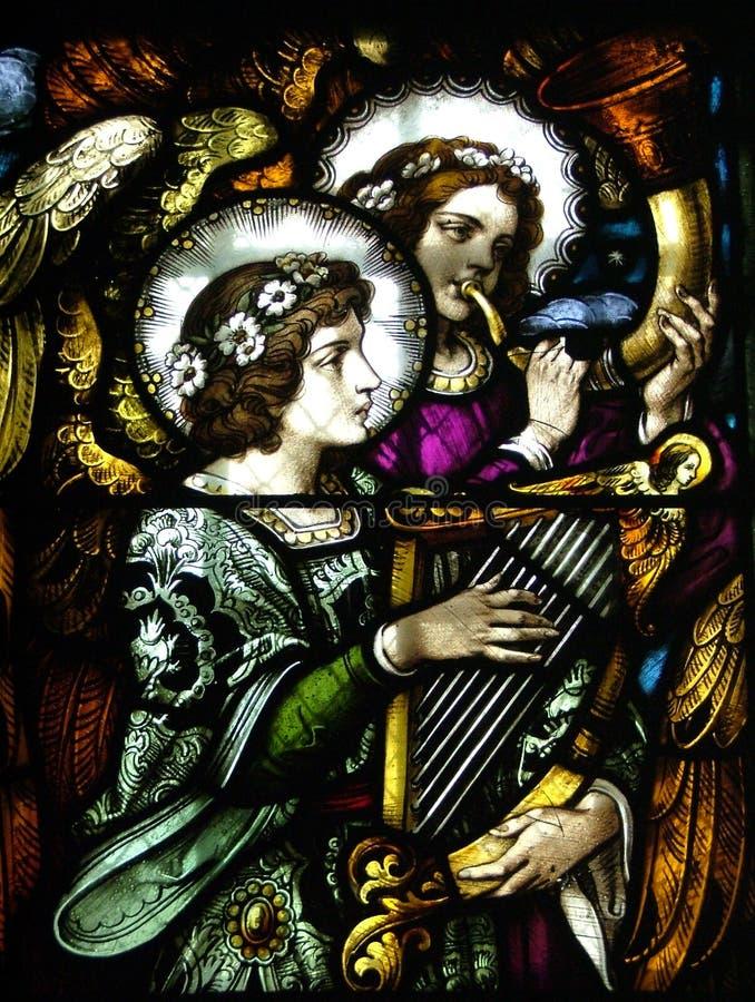 Engel von einer Kirche lizenzfreie stockfotos