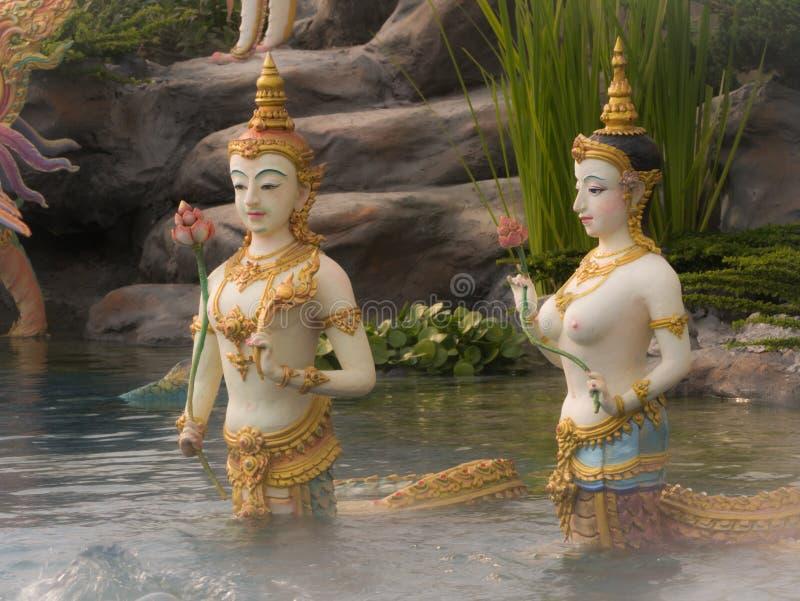 Engelenstandbeeld in het Paradijs van Stromend Waterhimmapan op Roya royalty-vrije stock afbeelding