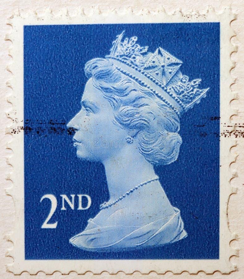 Engelse Gebruikte Tweede KlassenPostzegel die Portret van Koningin Elizabeth tweede tonen stock afbeelding
