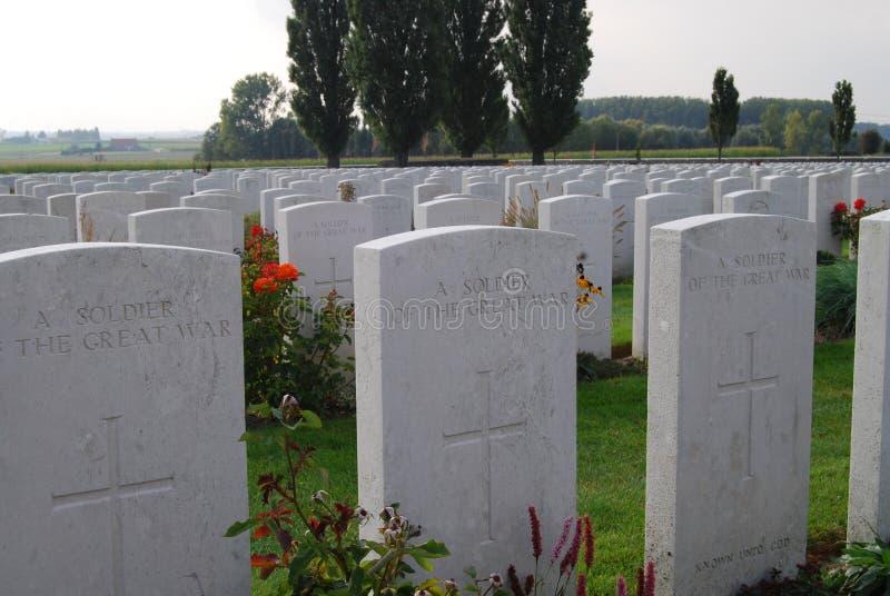 Engelse graven bij Tynecote-begraafplaats, België stock fotografie