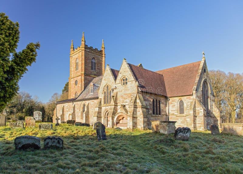 Engelse parochiekerk stock afbeeldingen