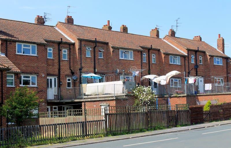 Engelse terrasvormige huizen royalty-vrije stock afbeeldingen