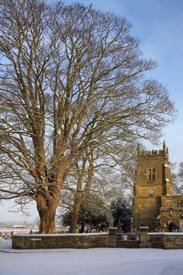 Engelsk församlingkyrka - North Yorkshire - England royaltyfria bilder