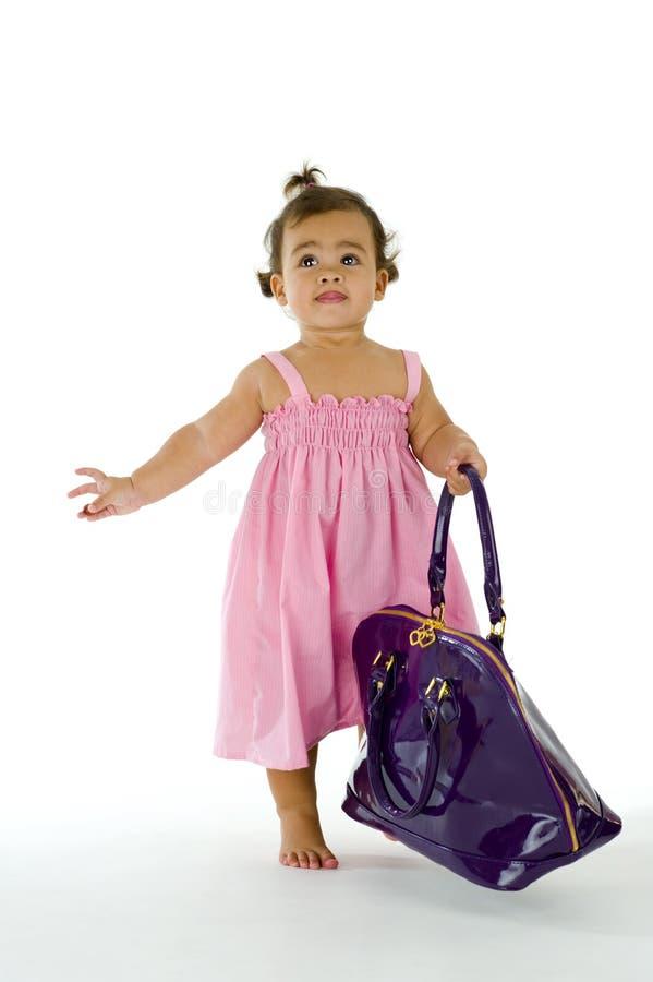 engelsk flicka little thai gå för handväska royaltyfri foto