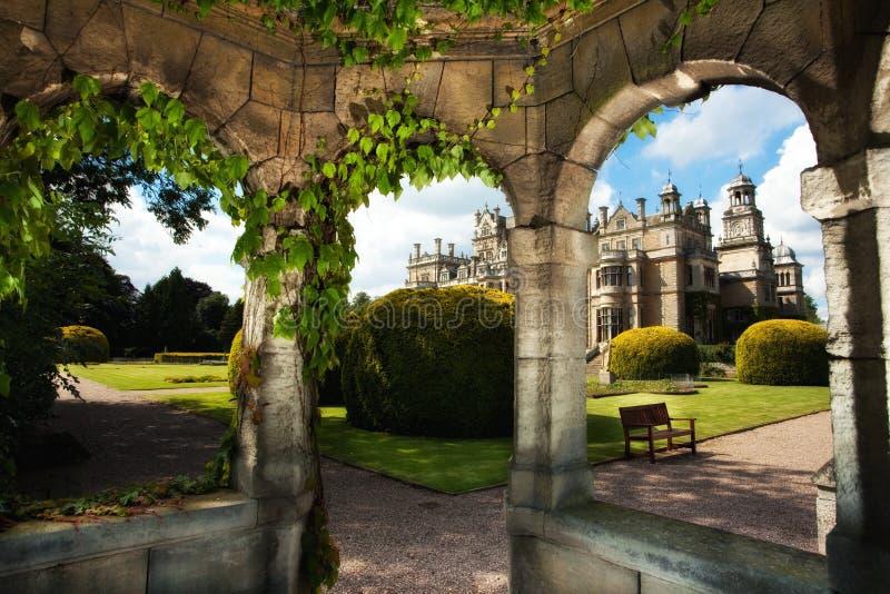 Engelsk landsträdgård royaltyfri foto