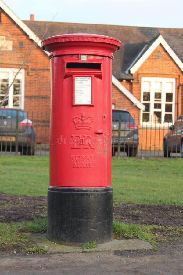 Engelsk röd bokstavsask arkivfoto