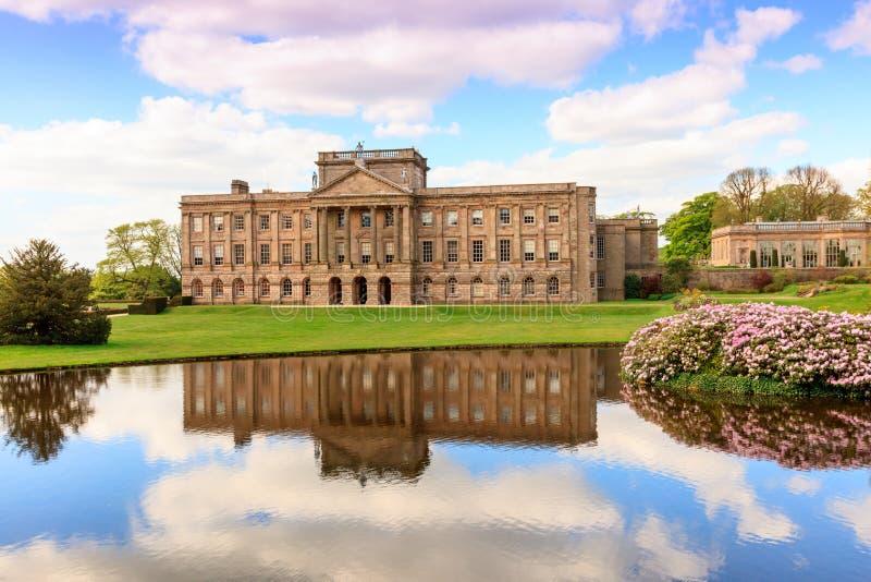 engelskt home stately royaltyfri foto