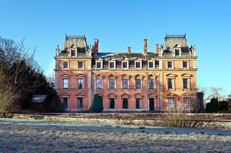 Engelskt landshus royaltyfria bilder