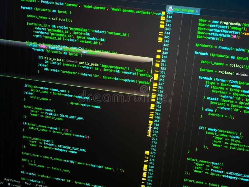 Engenharia informática da site no editor do código que usa a língua do PHP imagem de stock