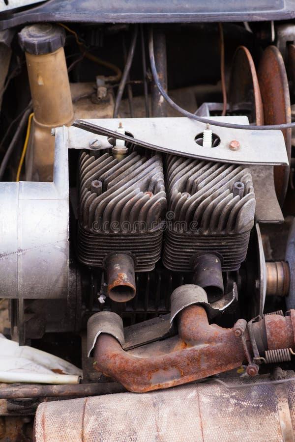Engine cassée de tondeuse photos libres de droits