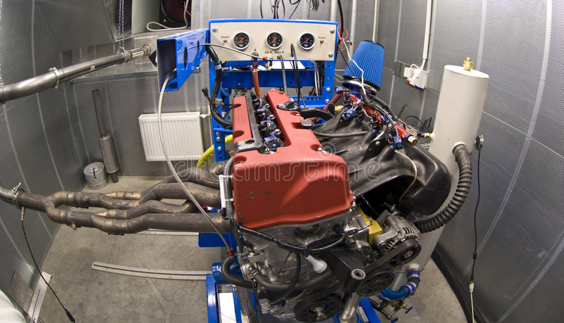 Engine dans la chambre de test photo libre de droits