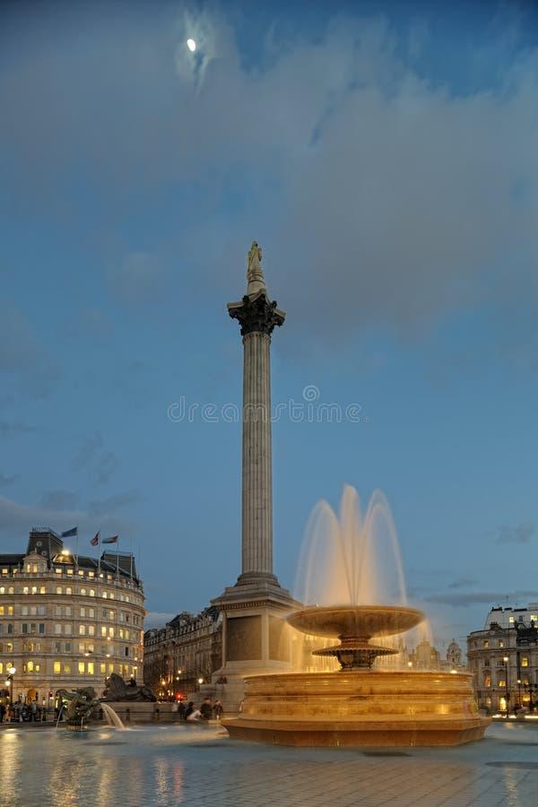 england springbrunnlondon fyrkantigt trafalgar royaltyfria bilder