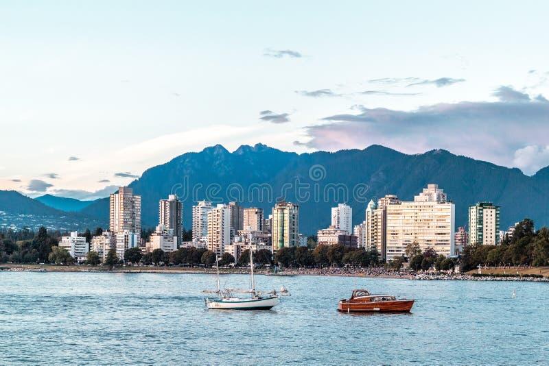 Englische Buchtansicht von Kitsilano-Strand in Vancouver, Kanada stockfotos