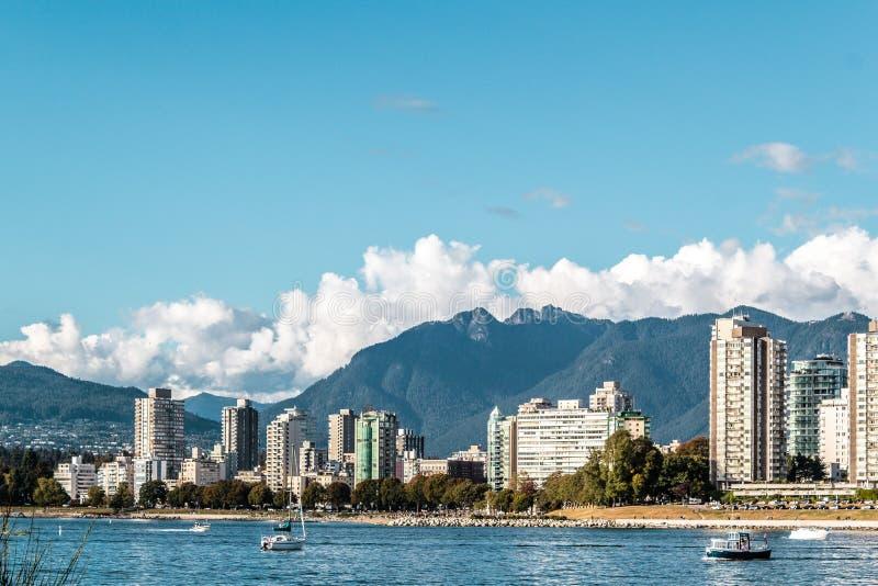Englische Buchtansicht von Kitsilano-Strand in Vancouver, Kanada lizenzfreies stockbild
