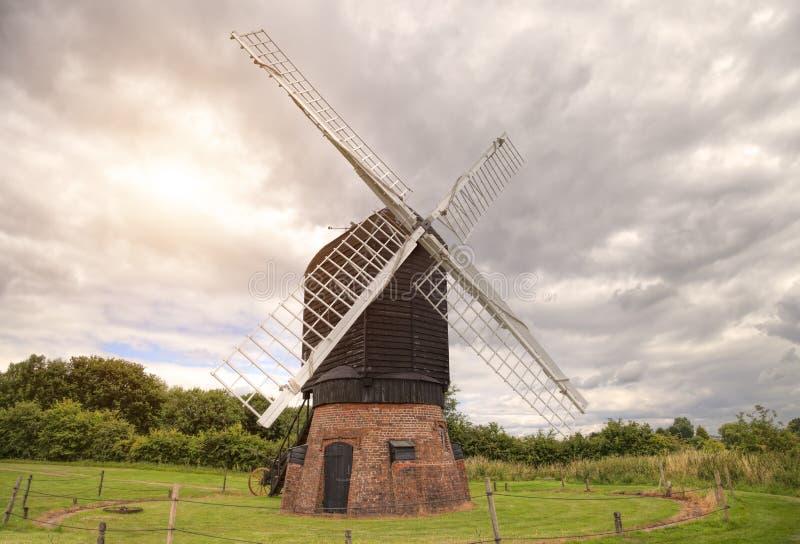 Englische Windmühle stockfoto