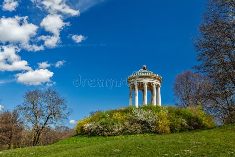 Englischer Garten. Monaco di Baviera, Germania fotografie stock libere da diritti