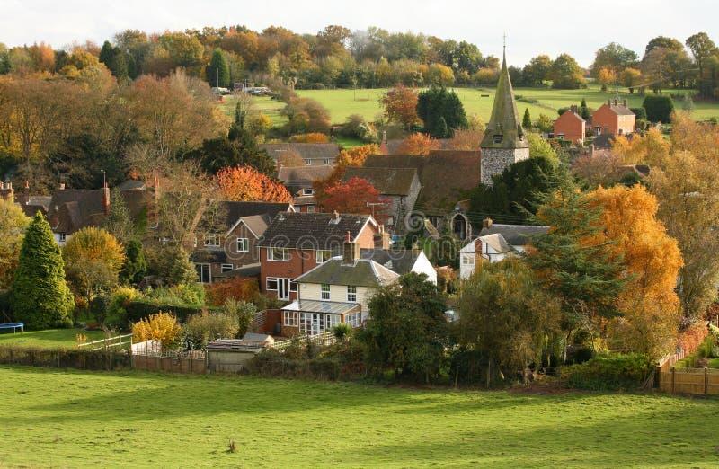 Englisches Dorf im Herbst lizenzfreies stockbild