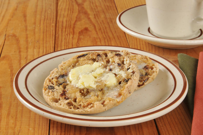 Englisches Muffin der Zimtrosine lizenzfreie stockbilder