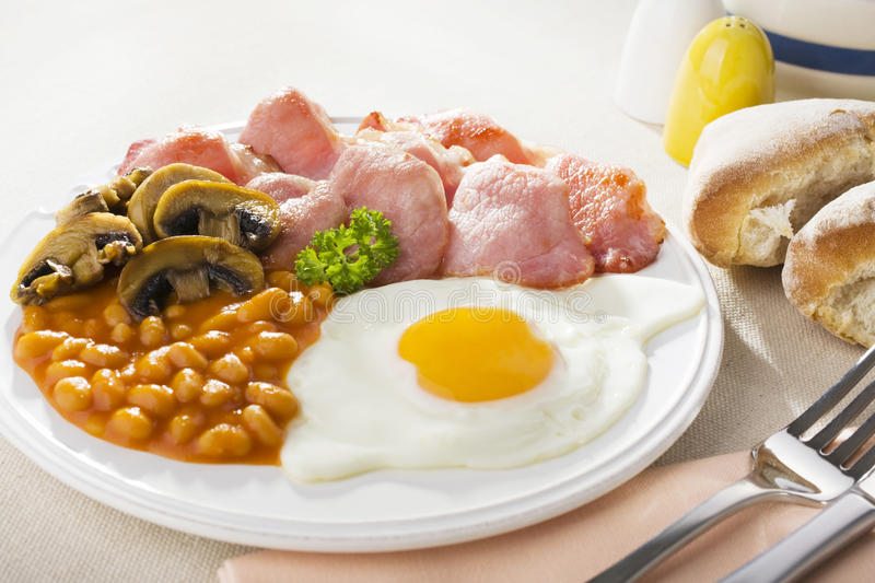 Download English Cooked Breakfast stock image. Image of beans - 25565997