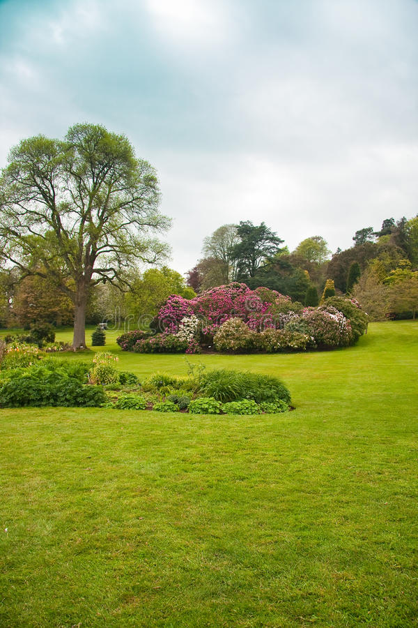 Download English Country Formal Garden Stock Image - Image: 14163601