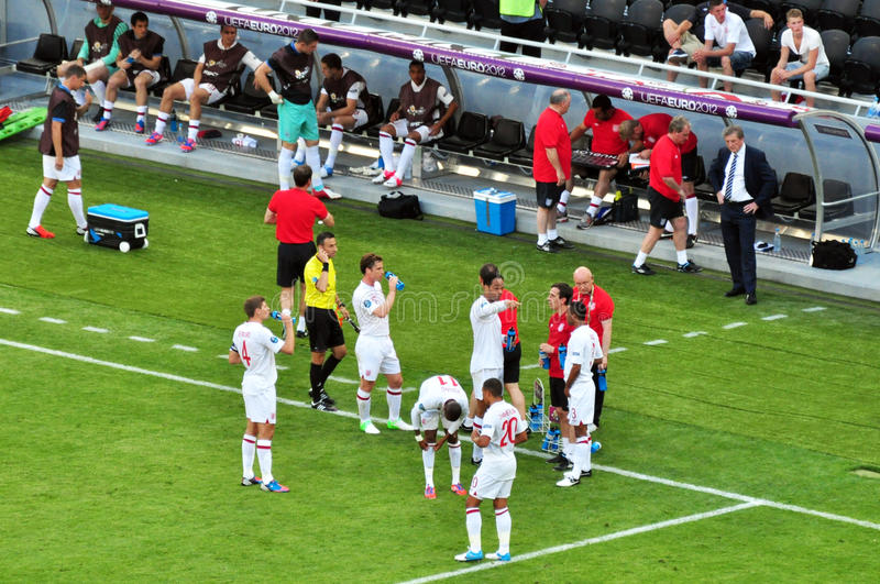 Download English Players Drink Water Editorial Image - Image: 25246570