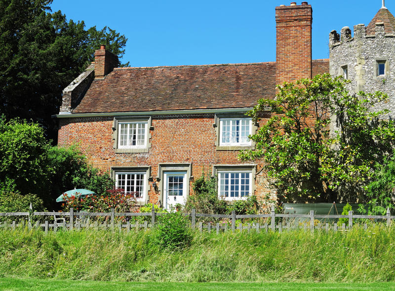 Download English Rural House And Garden Stock Photo - Image: 25881504