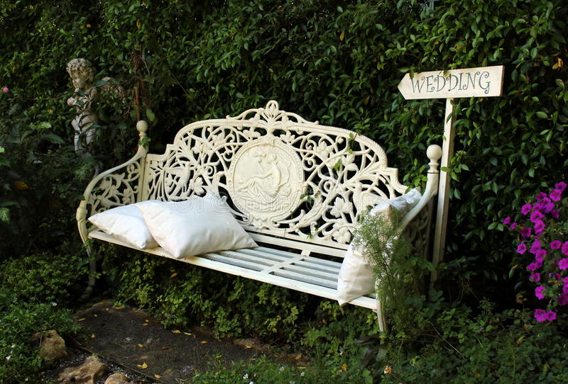 Download English Style White Garden Bench Stock Image   Image Of Empty,  Bench: 84737535