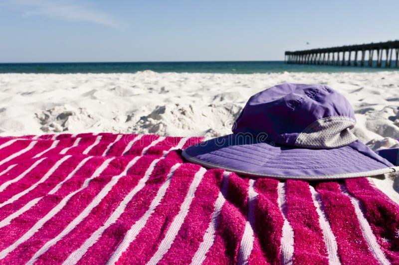 Engranaje de la playa imagen de archivo