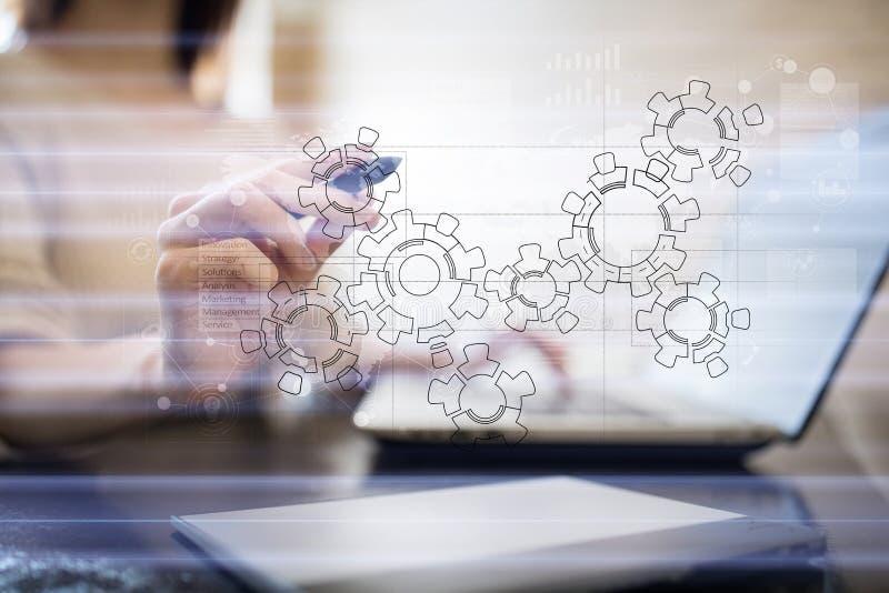Engranajes, diseño del mecanismo en la pantalla virtual Sistemas de cad Concepto del negocio, industrial y de la tecnología foto de archivo