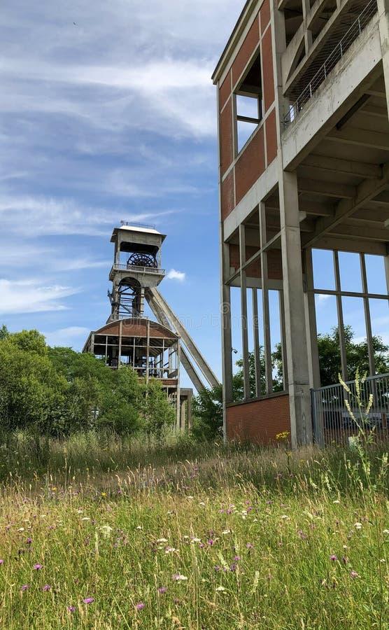 Engrenagem de enrolamento do pithead da mina de carvão imagem de stock