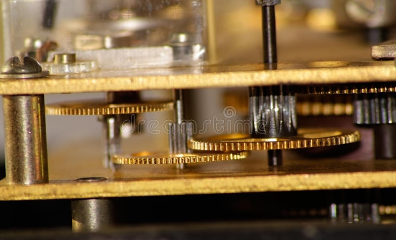 Download Engrenagem dourada imagem de stock. Imagem de macro, engrenagem - 16868321