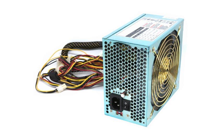 enhet för strömförsörjning 500W med den kabel- och för strömbrytare I nollan, grön färg fo royaltyfria bilder