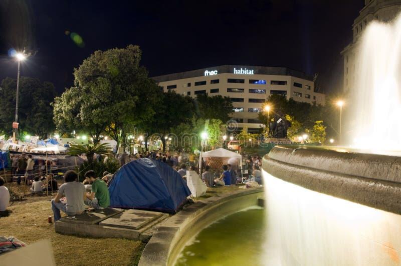 Download Enhetsbarcelona Catalonia Plaza Redaktionell Bild - Bild av grupp, natt: 19786336