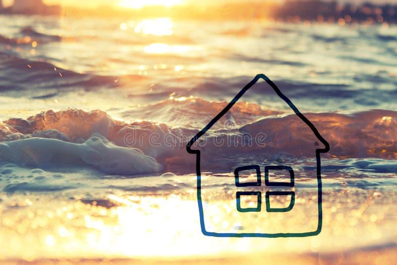 Enig Huis Modelon sand at het Strand stock afbeelding