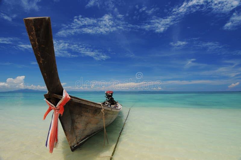 Enige lange staartboot royalty-vrije stock afbeeldingen