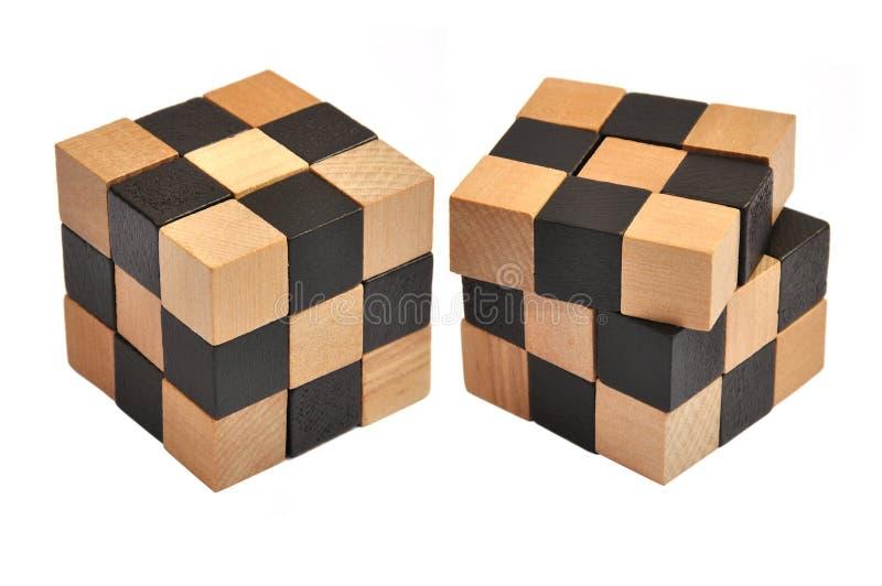 Enigma de madeira do cubo fotografia de stock royalty free