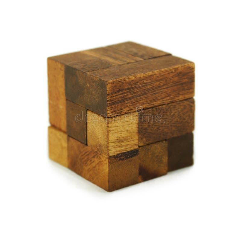 Enigma de madeira do cubo isolado fotos de stock royalty free