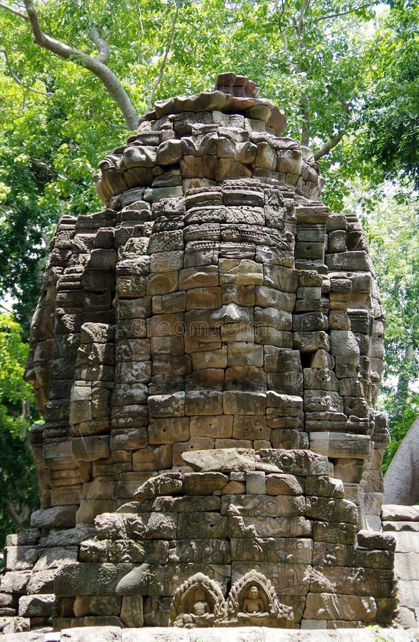 Enigmatyczny góruje Banteay Chhmar świątynia (Bayon uśmiech) zdjęcie royalty free