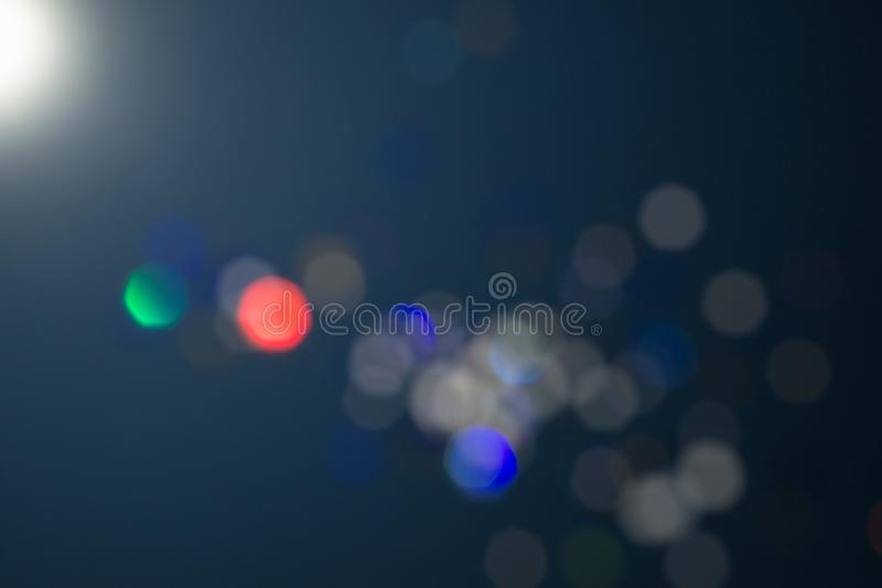 Enkel festlig blåttdesign Magisk effekt för Celebratory lynne Färgrik härlig suddig bokehbakgrund royaltyfri foto