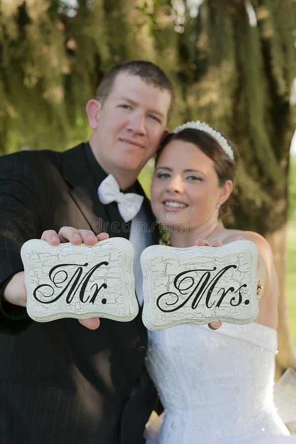 Enkel gehuwde bruid en Bruidegom royalty-vrije stock afbeeldingen