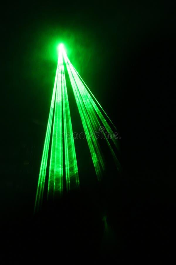 enkel grön laser för stråle arkivfoton