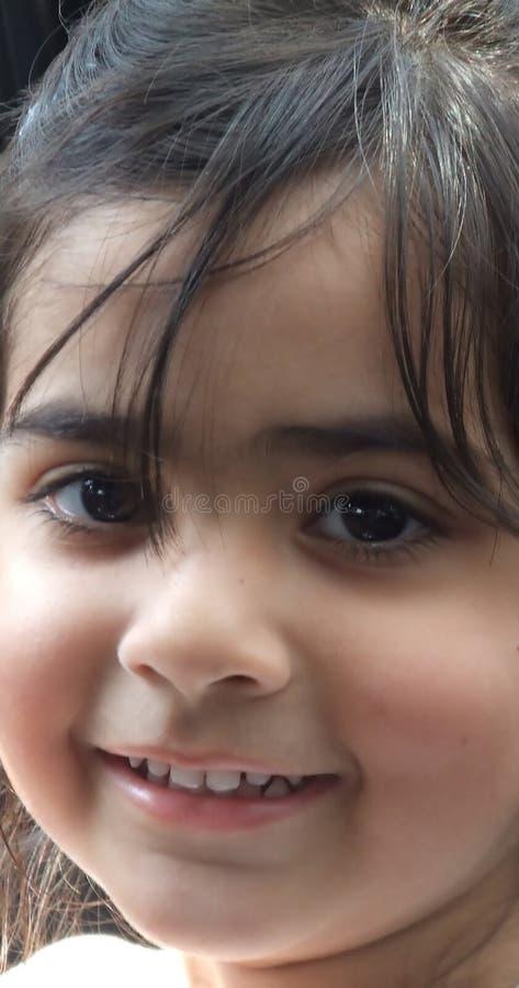 enkelt leende arkivfoton